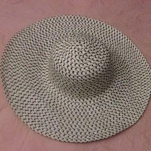 Oversized Weaved Sun Hat